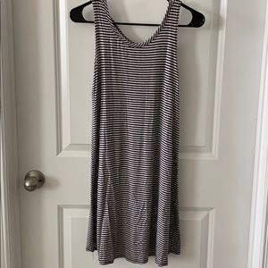 Olivia Rae Sleeve Dress Size Small
